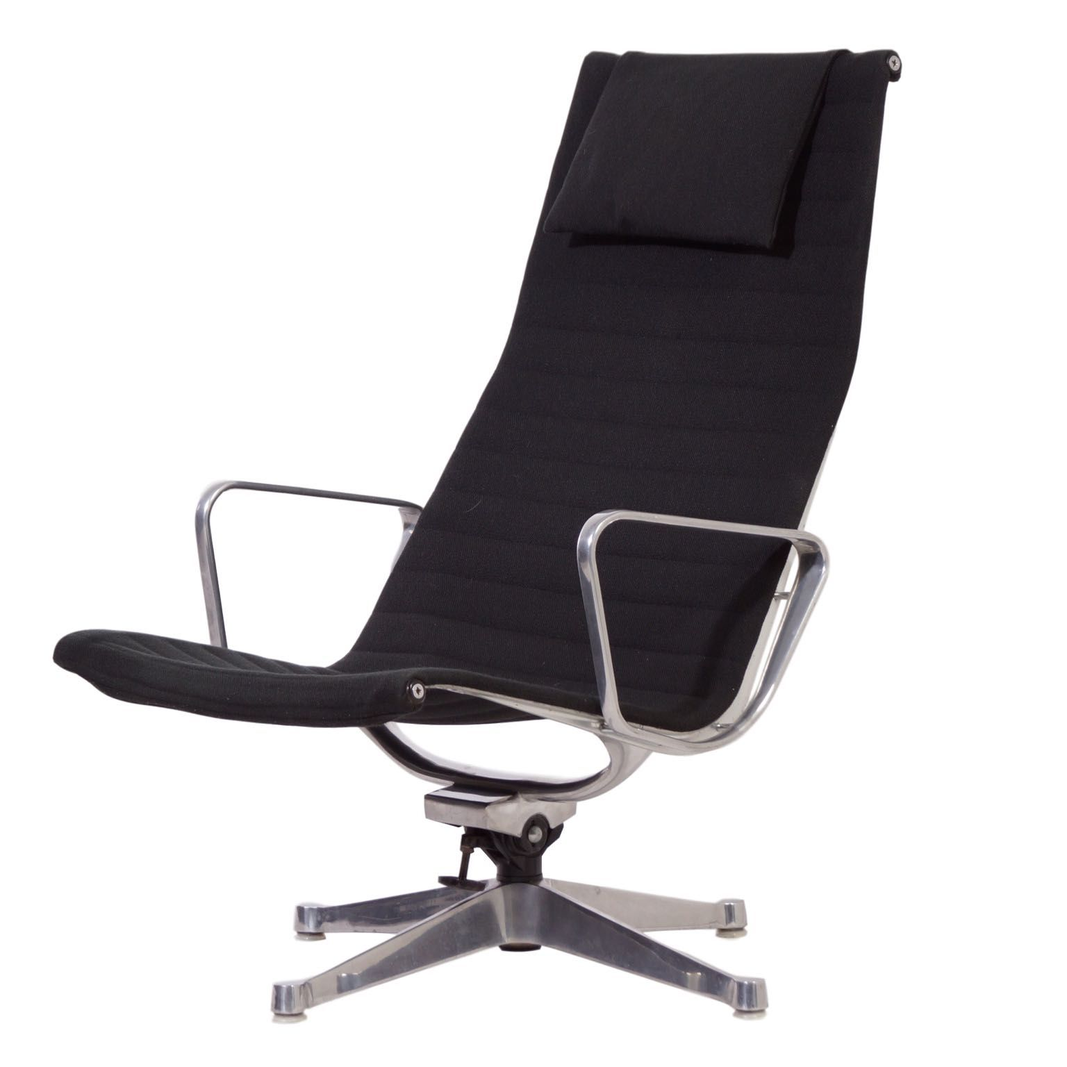 Eames Stoel Lounge.Vintage Ea124 Lounge Chair By Charles And Ray Eames For Herman