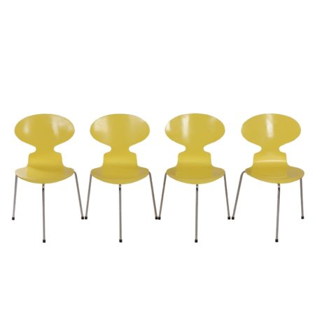 Arne Jacobsen Ant Chairs for Fritz Hansen, Yellow Lacquered and Three legged – 1952 | Mid Century Design