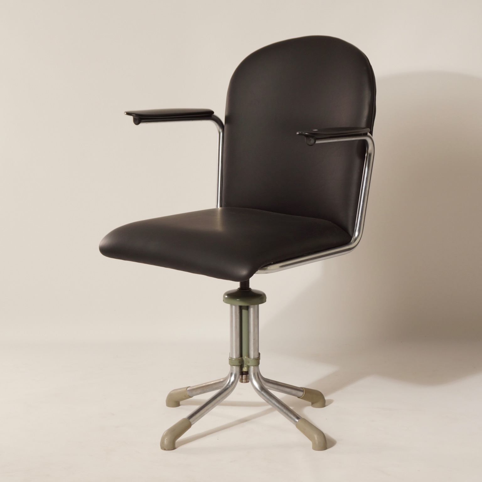 Incredible 356 Desk Chair In Black Leather By W H Gispen 1950S Ncnpc Chair Design For Home Ncnpcorg