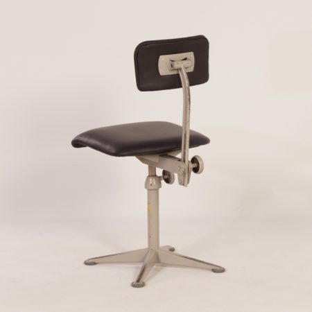 Architect's Chair by Friso Kramer for Ahrend de Cirkel, 1960s | New Upholstery