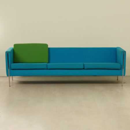 442 Sofa by Pierre Paulin for Artifort, 1960s | Re-upholstered in a color of choice