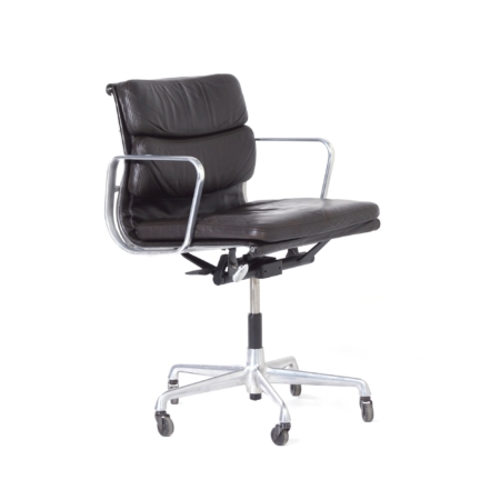 EA 217 Soft Pad Office Chair by Charles & Ray Eames for Herman Miller, 1980s – Brown Leather | Mid Century Design