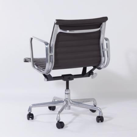 EA335 Office Chair by Charles & Ray Eames for Herman Miller, 2000s – Special Edition – Brown Leather