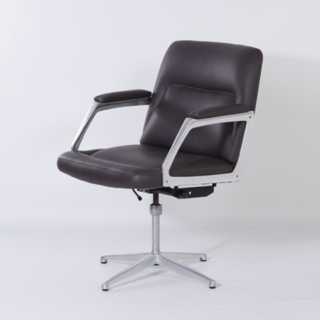 Office Chair by Theo Tempelman for AP Originals, 1970s – Reupholstered with Leather.