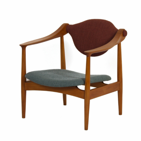 Danish Arm Chair made of Pear Wood, 1960s – Reupholstered | Mid Century Design